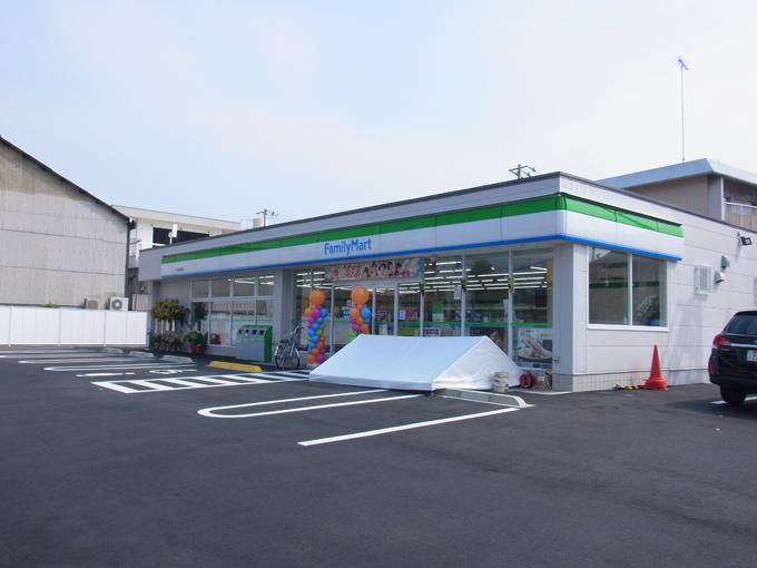 ファミリーマート東鳥生店