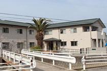 愛媛県今治市の児童養護施設「あすなろ学園」の新築工事に伴い当社は給排水、衛生設備、空調、消防、ガス設備を施工させて頂きました。