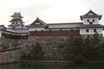 愛媛県今治市にある今治城築城・開町400年を記念し、鉄門と多門櫓が再建されました。給排水、空調を施工させて頂きました。